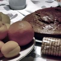 Eat breakfast like a king, lunch like a prince, and dine like a pauper.