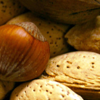 Pistachio nuts and almonds against diabetes